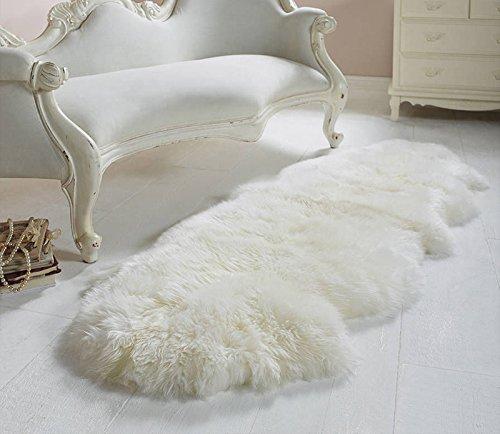 天然 ムートン ラグ 毛足5.5cm ニュージーランド産 リビング/ベッドルーム 羊毛ラグマット シートマット ホワイト 羊の形 (2匹物, アイボリーホワイト)