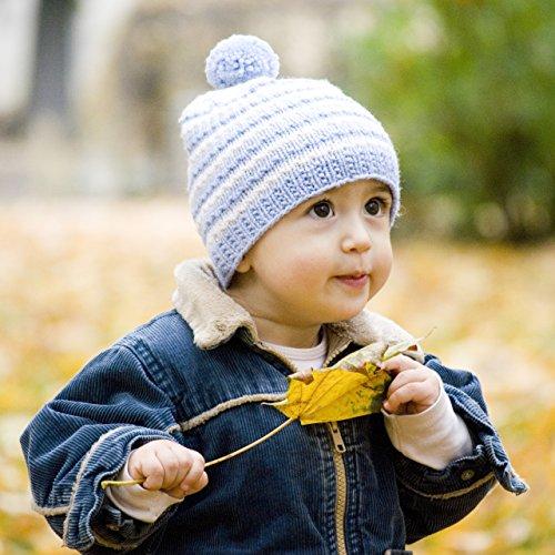 MyOma Stricken Baby - Stricken Baby Winter Ringelwunder - Strickpackung Baby Mütze und Schuhe - 2 Knäuel Merino Mix (50g/125m) weiß blau, Anleitung Label