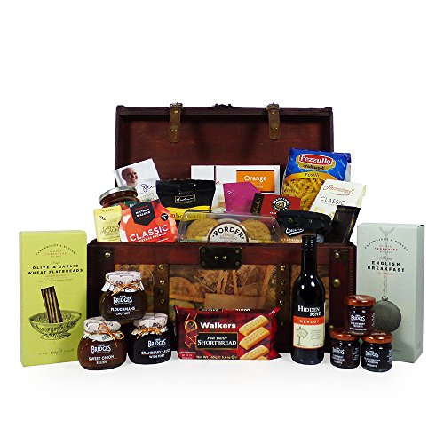 Family Food Hamper Gift - Presented in an Unique Vintage Style Hamper Chest - 25 items - Gift Ideas for Mum, Valentines, Mother's Day, Birthday, Anniversary, Business, Corporate, Grandma, Grandad, and Congratulations