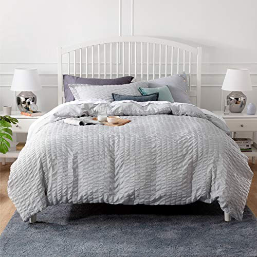 Bedsure Duvet Cover Set King Size (104 x 90 inches) - Seersucker Stripe - 3 Pieces (1 Duvet Cover + 2 Pillow Shams), Light Grey - Ultra Soft Microfiber - Duvet Covers with Zipper Closure, Corner Ties