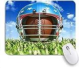 Gaming Mouse Pad Rutschfeste Gummibasis, Sport American Football Helm über dem ovalen Ball auf dem Rasen, für Computer Laptop Schreibtisch