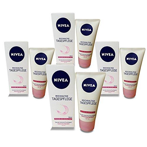 NIVEA Essentials Tagespflege 24h Feuchtigkeit + Reichhaltigkeit im 4er Pack (4 x 50 ml), Feuchtigkeitscreme mit LSF 15, Tagescreme für trockene und sensible Haut