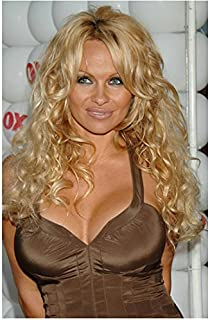 Pamela Anderson Waist Up Shot Deep Cleavage Smiling Brightly 8 x 10 Inch Photo