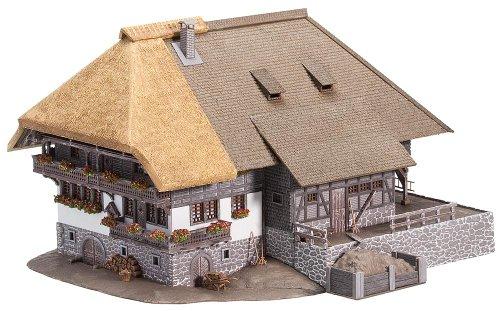 Faller 130534 - Schwarzwaldhof mit Strohdach
