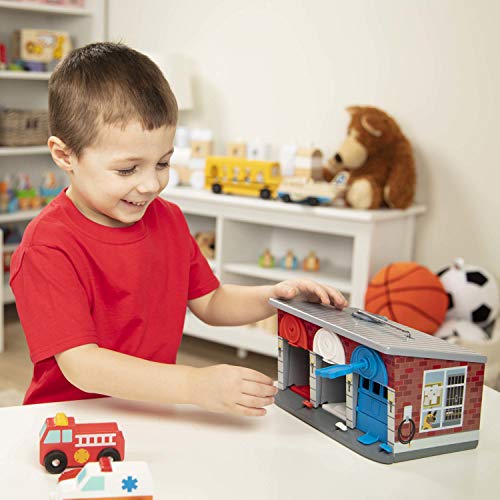 Melissa & Doug Keys & Cars Rescue Garage...