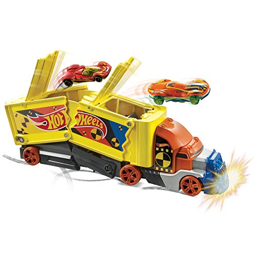 Hot Wheels Camión superchoques con un coche de juguete de Hot Wheels (Mattel GCK39)