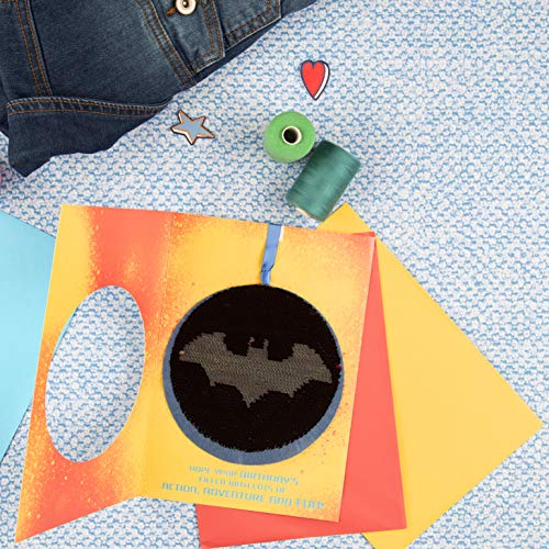 Hallmark Tarjeta de cumplea/ños reversible con lentejuelasSuperman y Batman tama/ño mediano