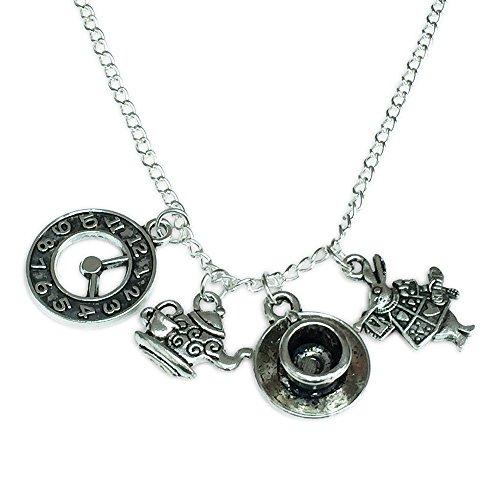 Orion Creations Alice im Wunderland -Charme-Halskette. Silberton. Clock, Kaninchen, Teetasse und Teekanne.