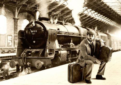 XXL Poster 100 x 70cm (SF205) Warten auf dem Bahnhof, Zug, Lok, Dampflok, Lokomotive, schwarz weiss (Lieferung gerollt!)