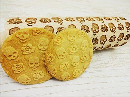 Nudelholz TOTENKOPF mit BLUMEN. Teigrolle mit Schädel und Rosen. Kekse. Präge Teigrolle. Halloween. Gravierte Nudelholz mit Muster. Engraved rolling pin