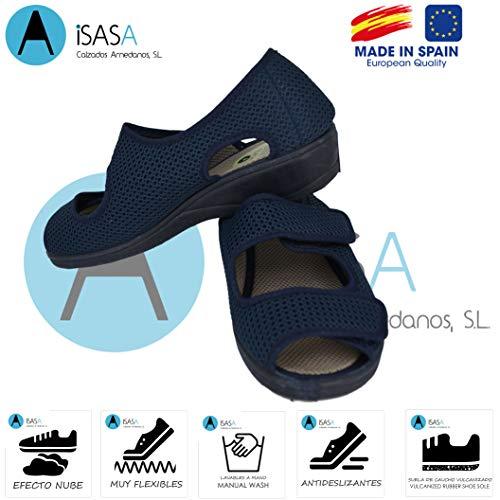 ISASA Zapatilla de señora Crimea Azul, de Farmacia, Doble Velcro Semi Cerrada Fabricada en Rejilla Farmacia Azul con Dos velcros para un Ajuste idoneo para pies delicados. Talla 39.