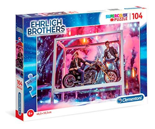 Clementoni 59175 Ehrlich Brothers Puzzle 104 Teile, funkelndes Kinderpuzzle für kleine Magier, mit Motorrad-Motiv, leuchtend-buntes Legespiel, für Kinder ab 6 Jahren