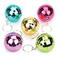 Diese glitzernden Discokugeln bieten Partyspaß im Miniformat. Verschiedene Farben. Jeder Kunststoffball ist an einem Schlüsselring aus Metall befestigt. Als kleines Geschenk oder Party-Überraschung. In verschiedenen Farben – Pink, Violett, Grün, Blau...