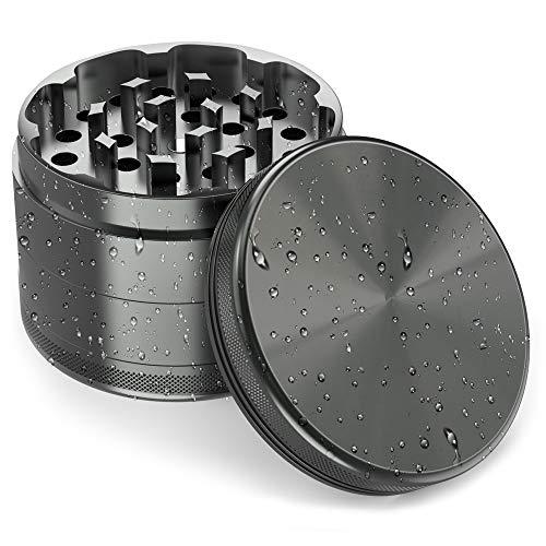 JCASE Premium Grinder Crusher | 4-teilig | rostfreies eloxiertes Flugzeug Aluminium | Ø 63 mm | messerscharfe Mahlzähne | Tragetasche Schaber Pinsel | für Tee Kräuter
