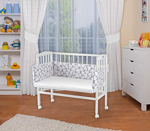 WALDIN Baby,Lettino culla,altezza regolabile,paracolpi e materasso,in 16 varianti,Superficie d'appoggio EXTRA lung. 90 x larg. 55 cm, bianco laccato,grigio/modello bianco