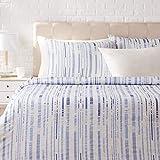 Amazon Basics - Juego de ropa de cama con funda de edredón, de satén, 230 x 220 cm / 50 x 80 cm x 2, Azul a rayas texturizado