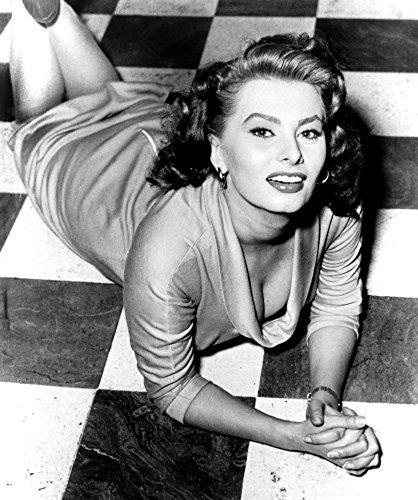 Posterazzi EVCPBDSOLOEC187H Sophia Loren Circa 1950S Photo Print, 8 x 10