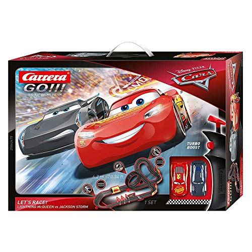 Carrera Toys GO!!! Disney Pixar Cars Let's Race Set Pista da Scontro e Due Macchinine con Saetta Mcqueen e Jackson Storm, Gioco Adatto per Bambini dai 6 Anni, Multicolore, 20062475