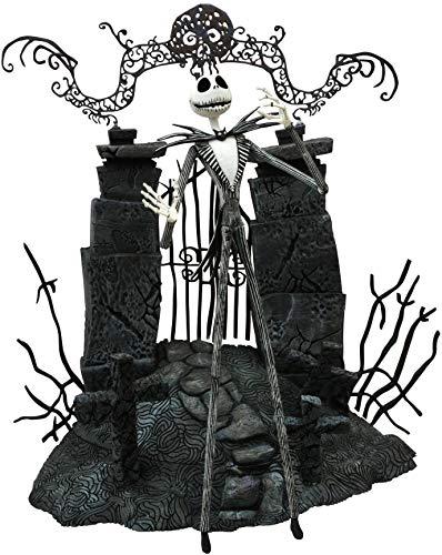 Diamond Pesadilla Antes de Navidad: Jack Skellington con Diorama de Cementerio (APR152293)