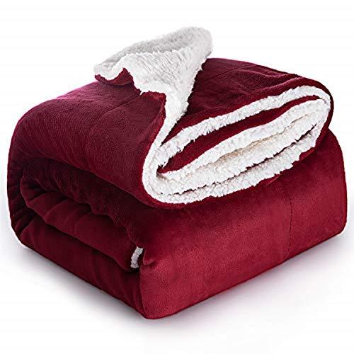 Bedsure Manta Reversible de Franela/Sherpa 150x200cm - Manta para Cama 90 de 100% Microfibra Extra Suave - Manta de Felpa Rojo Oscuro