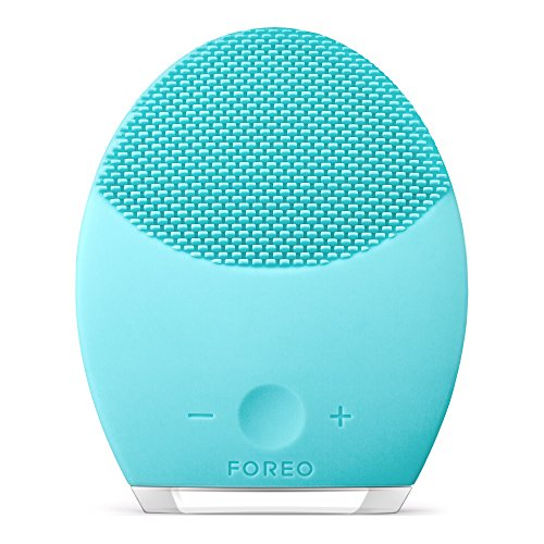 FOREO LUNA 2 Personalized Facial Cleansing Brush and Anti-Aging Facial Massager for Oily Skin