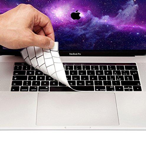 MyGadget Protezione Tastiera QWERTY [Italiano] MacBook Nuovo PRO 13' & 15' (dal 2016) - Copertura Skin Silicone Sottile – Nero