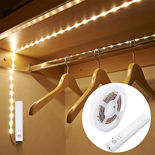 Striscia Luminosa LED 1m 30 LED Flessibile, Blusea Luce Notte LED Guardaroba con Sensore di Movimento, Batteria Caricata per Armadio,Scale, Corridoio, Cucina, Garage etc-Auto/On/Off (Luce calda)