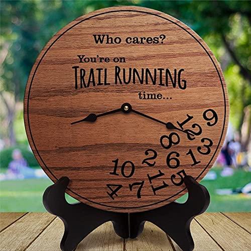 BPDD Regalos Divertidos de Trail Running Who Cares You'Re On Trail Running Time Regalos para Trail Runner Off Road Running Mountain Trail Running Reloj de Pared de Madera de 12 Pulgadas, Funciona