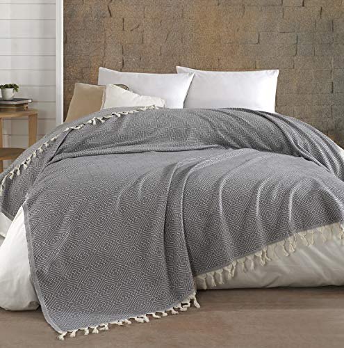 Belle Living Hitit Tagesdecke Überwurf Decke - Wohndecke hochwertig - perfekt für Bett & Sofa, 100prozent Baumwolle - handgefertigte Fransen, 200x250cm (Grau)