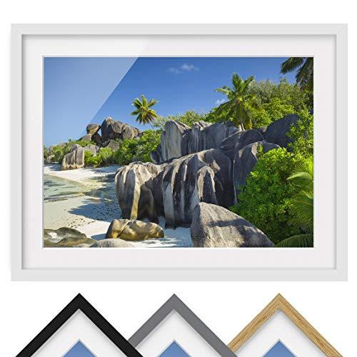 Bild mit Rahmen - Traumstrand Seychellen - Rahmenfarbe Weiß, 30 x 40 cm