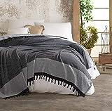 Belle Living Nefes Tagesdecke Überwurf Decke - Wohndecke hochwertig - perfekt für Bett & Sofa, 100prozent Baumwolle - handgefertigte Fransen, 200x250cm (Schwarz/Grau)