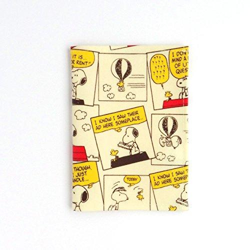 スヌーピー かわいい パスポートカバー ストーリー柄 アイボリー