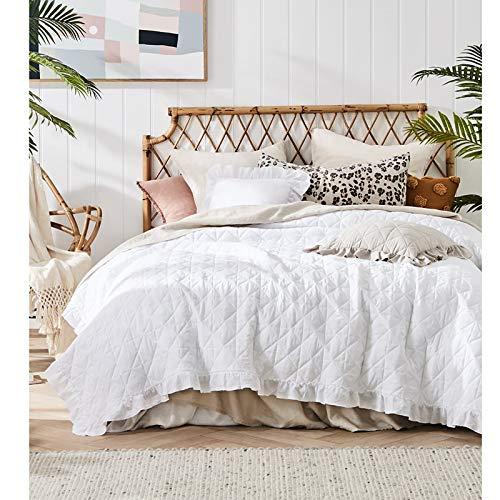 JEMIDI Bett und Sofaüberwurf XL Doppelbett gesteppt 220 x 240 Tagesdecke Überwurf Husse Decke XXL Tagesdecken Steppdecke gesteppt (Weiß mit Rüschen)