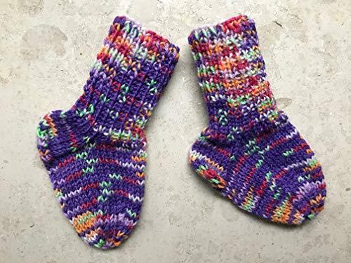 Babysocken 9,5cm, handgestrickt, lila bunt, ca. 0-3 Monate, Größe 16 Socken für Neugeborene