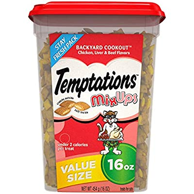 TEMPTATIONS MIXUPS Crunchy and Soft Cat Treats Backyard Cookout Flavor, 16 oz. Tub