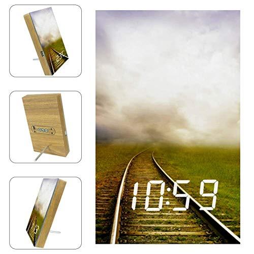 Xingruyun Die Eisenbahn Digitaler Wecker LED Sensor für Kinder Kompakte Uhr für Schreibtisch Schlafzimmer Küche