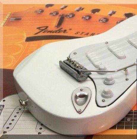 Mini guitarra miniatura JIMI HENDRIX Fender Stratocaster