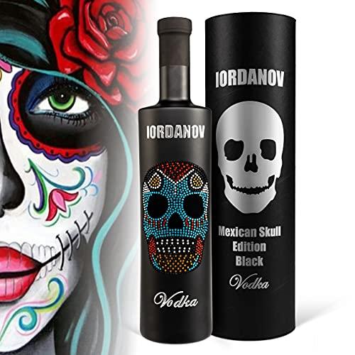 Vodka Geschenkset: Mexican Skull Luxus-Wodka Iordanov (0.7 l) in schwarzer Flasche sowie in Black Tube mit Geschenkkarte