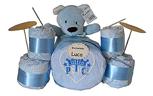 Si estas buscando un regalo original te encantará nuestra batería de pañales. Un regalo que combina practicidad y originalidad para sorprender a los papás y bebés más marchosos! Nuestra batería de pañales contiene: - 30 pañales Chelino Talla 2 (3-6 k...