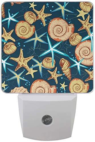 Paquete de 2 lámparas de luz nocturna LED enchufables, conchas marinas y estrellas de mar con sensor de anochecer a amanecer para dormitorio, baño, pasillo, escaleras