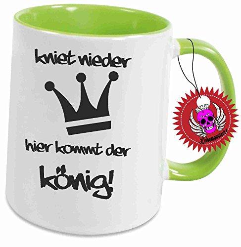 Klebemonster24 Tasse mit Aufdruck Spruch Kniet nieder Hier kommt der König Geschenk Geburtstag Kaffee Becher Tasse Tee Keramik Arbeit Chef Büro Bedruckt