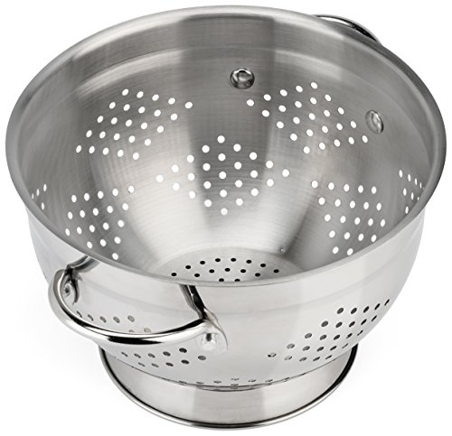 Raishi Stainless Steel Colander for Easy Cleaning - 6 Quart Restaurant Quality Grade Guarantee. Best Metal Colander (Large)