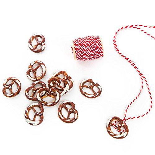Logbuch-Verlag 12 Brezel Geschenkanhänger bayerische Deko Trachtenschmuck Halskette Anhänger BREZE + rot weiße Baumwoll Kordel Bayern Oktoberfest