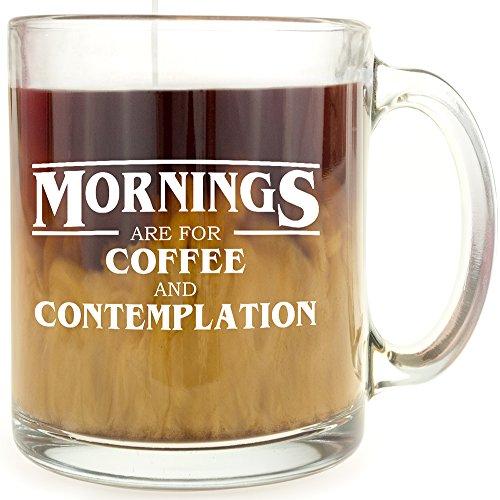 Taza de café de cristal con texto en inglés