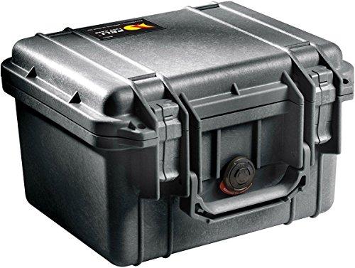 PELI 1300 Stoßfester Schutzkoffer für DSLR Camera Case, IP67 Wasserdicht, 6L Volumen, Hergestellt in den USA, Mit Schaumstoffeinlage (Anpassbar), Schwarz