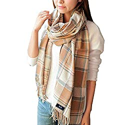 A picture of a tartan scarf.