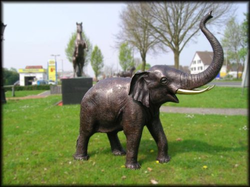 Unbekannt Bronzeskulptur Elefant mit Wasserspeier