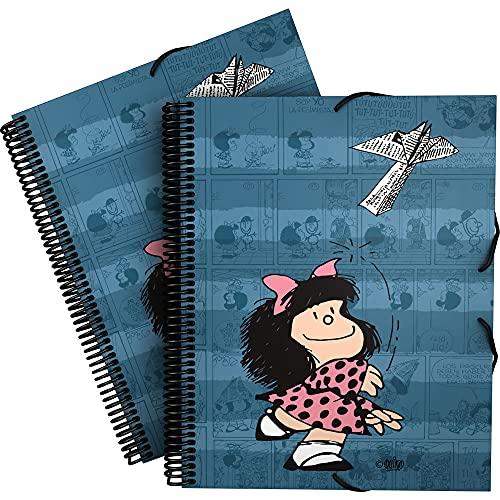 Mafalda 39822437. Carpeta de Fundas A4 con Espiral, Colección Mafalda Avión, Tapas Polipropileno Rígido, Cierre Gomas Elásticas, 30 Fundas Transparentes, Incluye Sobre con Cierre Textil