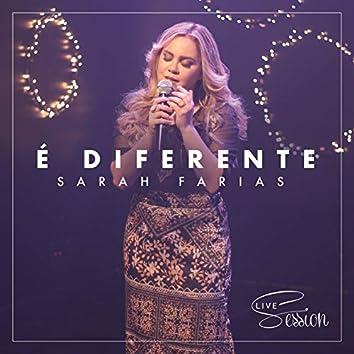 É Diferente (Live Session)