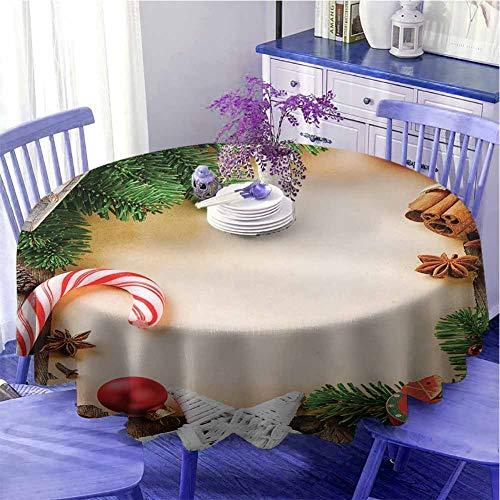 Runde Weihnachts-Tischdecke, Sortiment von festlichen Ornamenten, Zimtstab, Sternanis, Zuckerstange, Spielzeug, Schlitten, als Geschenk, Durchmesser 139,7 cm, mehrfarbig